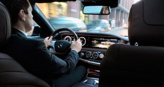 Por qué tener un chófer de empresa Barcelona