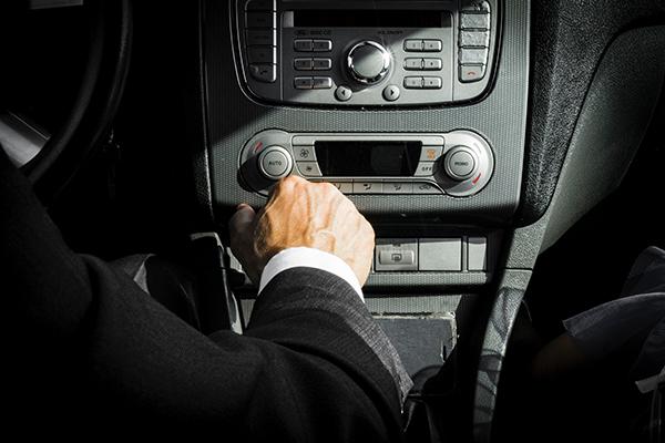 alquiler de vehículos con conductores profesionales